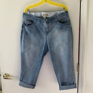 Democracy High Rise Crop Jeans size 18w EUC